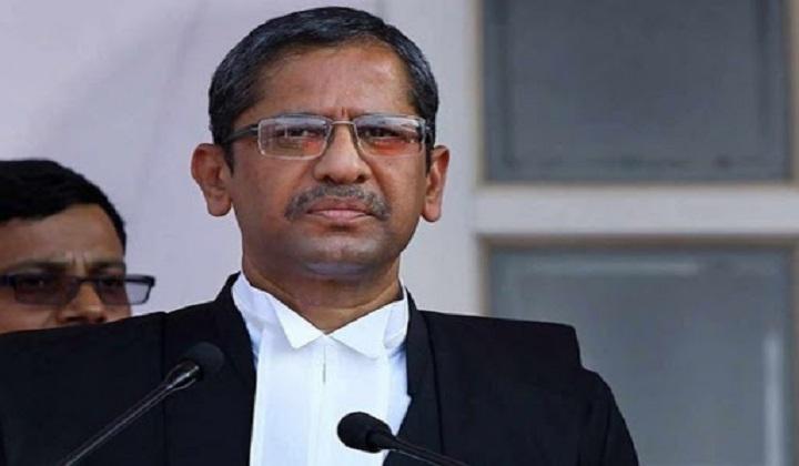 Justice Nuthalapati Venkata Ramana takes oath as 48th CJI | न्यायमूर्ती नूथलपती व्यंकट रामना यांनी 48 व्या CJI म्हणून शपथ घेतली_40.1